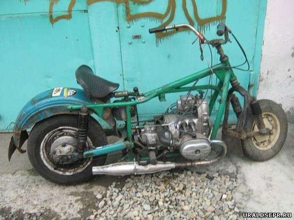 Мотоцикл с автомобильными колесами